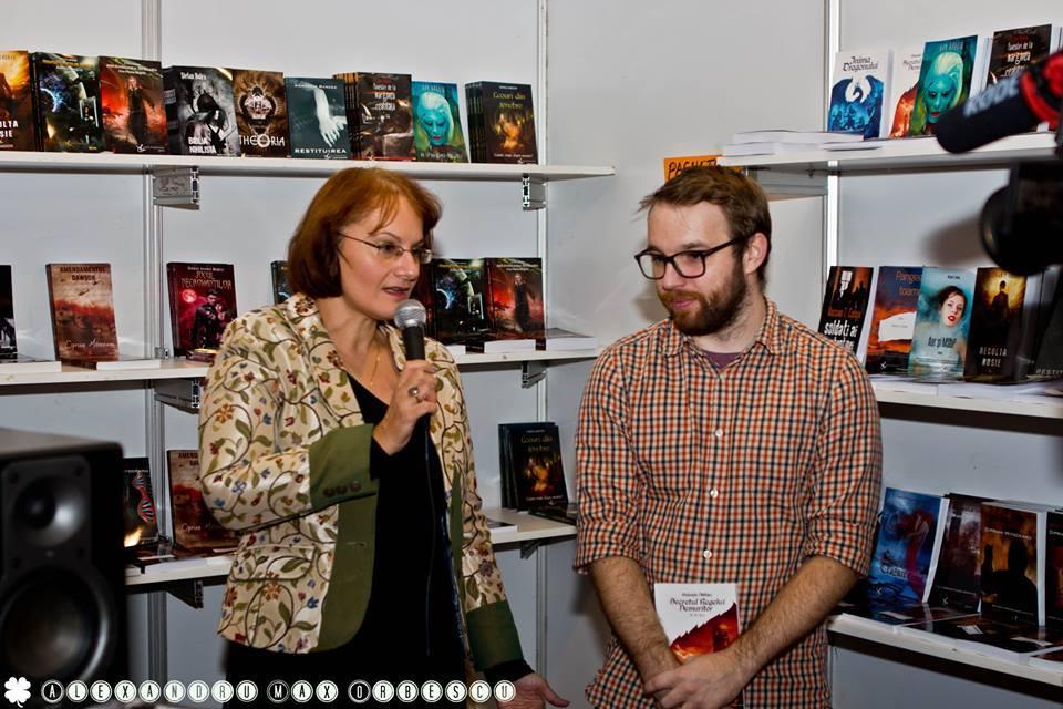 m.m. Țara, Ana Maria Negrilă, lansare Secretul Regelui Nemuritor, Crux Publishing