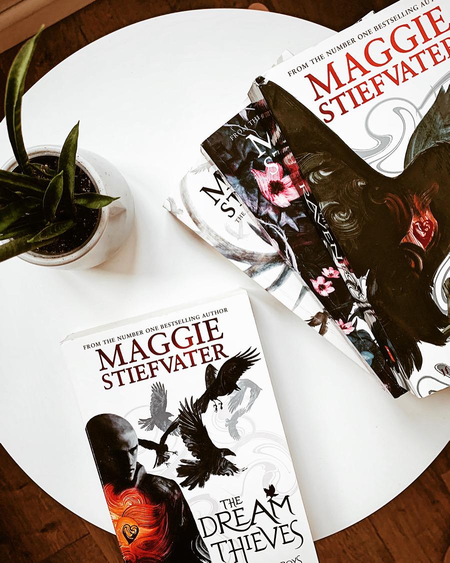 Hotii de vise de Maggie Stiefvater. Recenzie carte pe Tzara cu carti